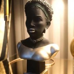 Afrikalı Modern Kadın Tasarımlı Büst / Heykel