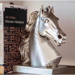 At Başı Tasarımlı Heykel