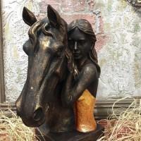 Atını Seven Kız Tasarımlı Biblo / Heykel