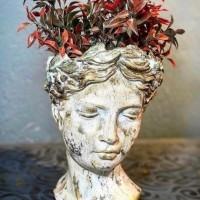 Hüzünlü Kadın Büstü - Vazo/Saksı (25x18 cm)